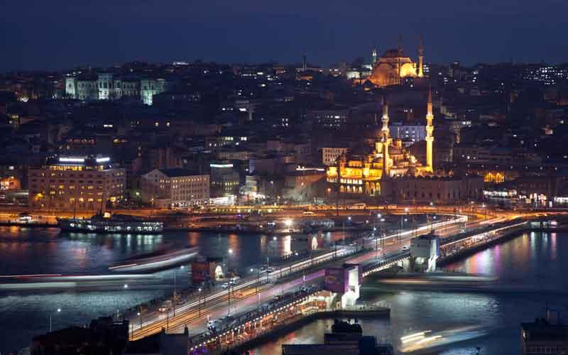 Qatar Airways makes emergency landing in Istanbul