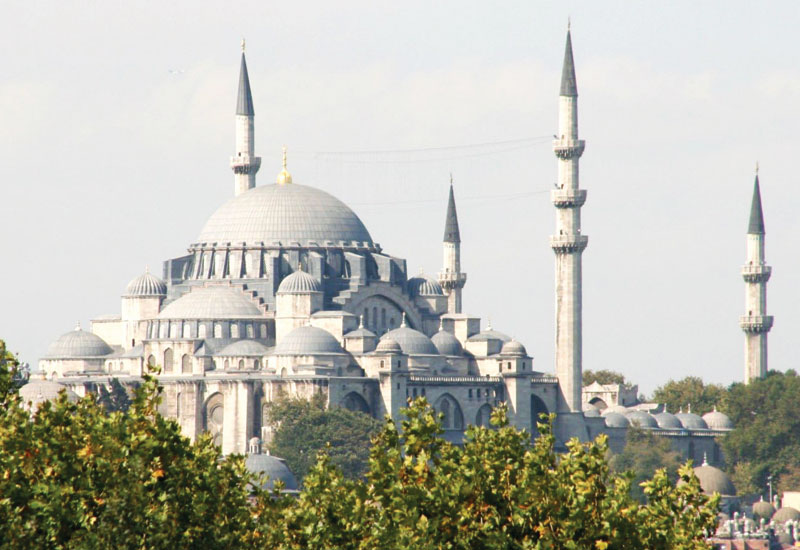 Turkey sees tourist arrivals fall 40% in June