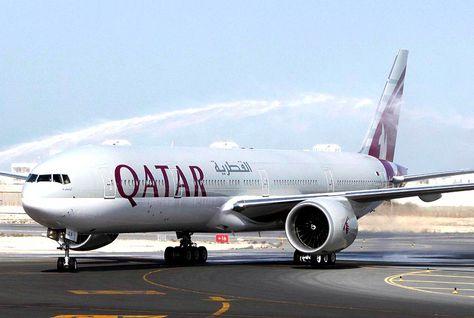 Qatar Airways loans laptops on US-bound flights