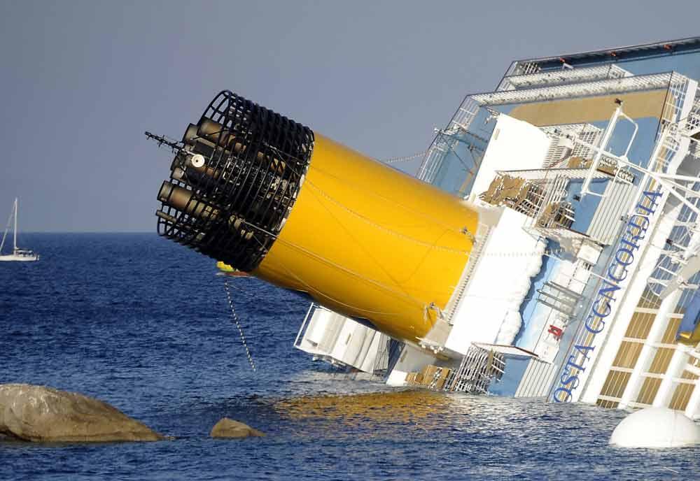 PHOTOS: Costa cruise ship disaster