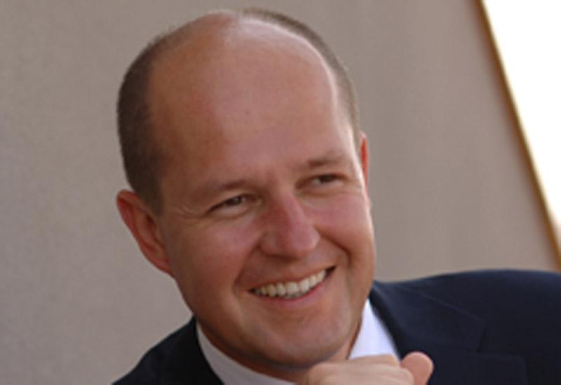 Swissotel sponsors global hotel school