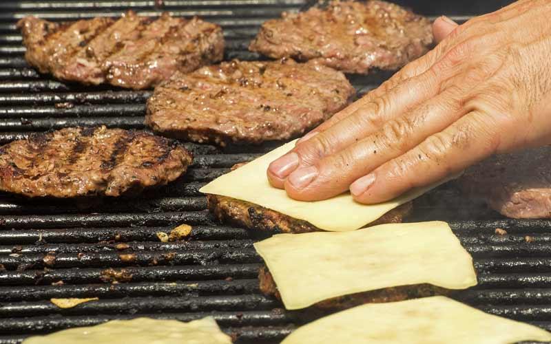 Dubai gets a taste of Polish meat at EU event