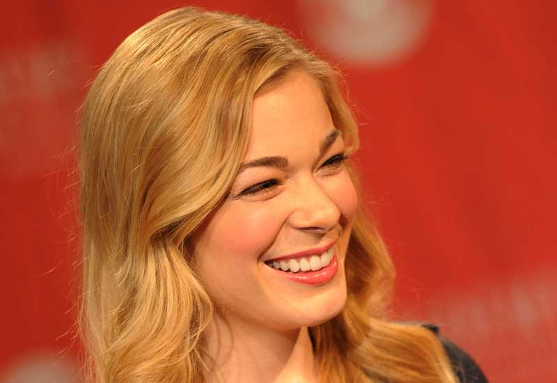 Leann Rimes marks airline's foray into US southern states