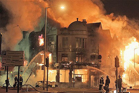 UK tourism struggles to restore image after riots