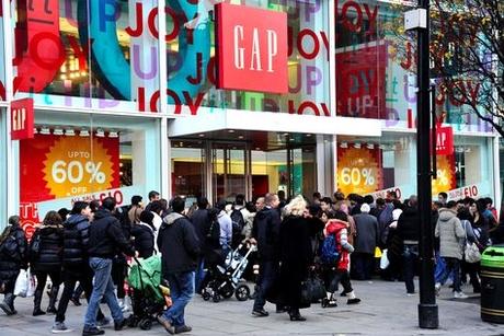 Gulf tourists splash cash in UK high streets
