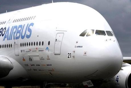 Hong Kong runway shut after Emirates tyre burst