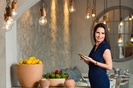 After criticism, Foodiva blogger Samantha Wood defends Dubai restaurant review