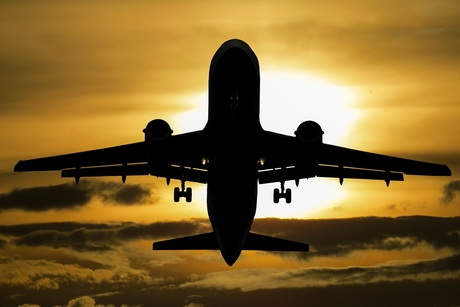 E-commerce giant Amazon launches flight-booking service in India