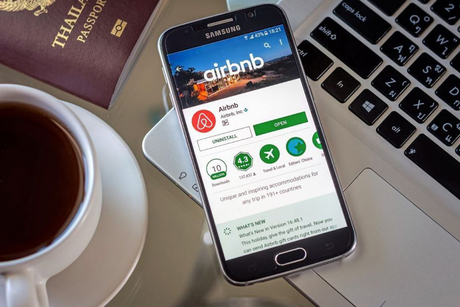Airbnb to eliminate guest fees for hotels in the Middle East