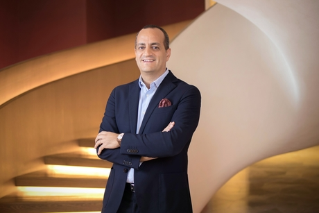 Four Seasons Hotel Kuwait at Burj Alshaya hires F&B, hotel manager