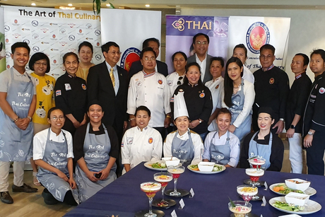 12 Thai chefs face-off in Dubai cooking competition