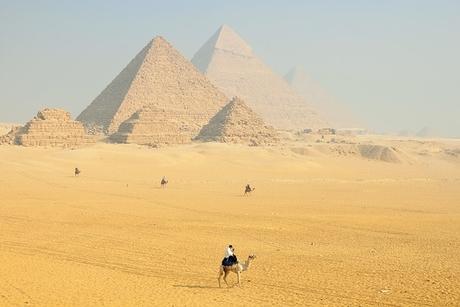 Lufthansa, British Airways suspend flights to Egypt