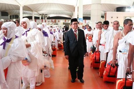 Indonesian Haj pilgrims arrive in Jeddah