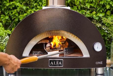 Alfa launches portable pizza oven