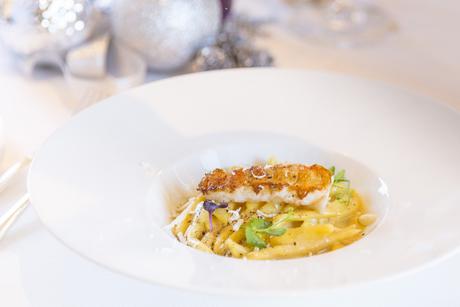 Four Seasons Hotel Abu Dhabi at Al Maryah Island launches festive offers