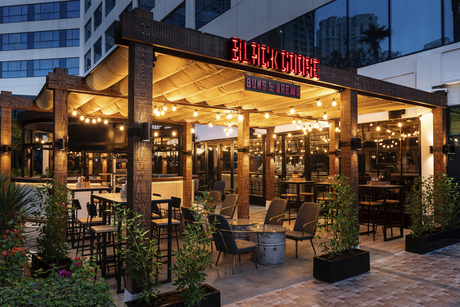 Photos: Black Goose Sports bar and lounge, Sheraton JBR