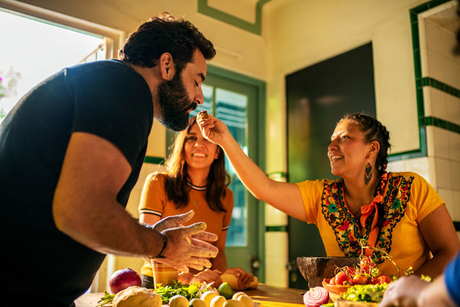 Airbnb Experiences launches 'Cooking' section