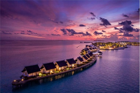 Photos: The Christmas events across Maldives hotels