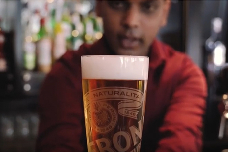 Pouring the perfect pint of Peroni with Reform Social & Grill