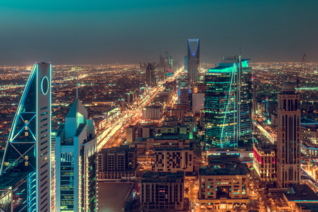 Saudi Arabia bans restaurant dine-in for 10 days