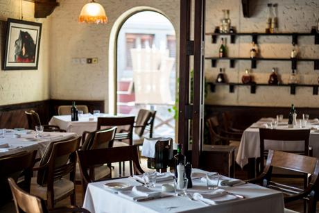 Veteran Dubai restaurant Casa Mia prefers charm over chic
