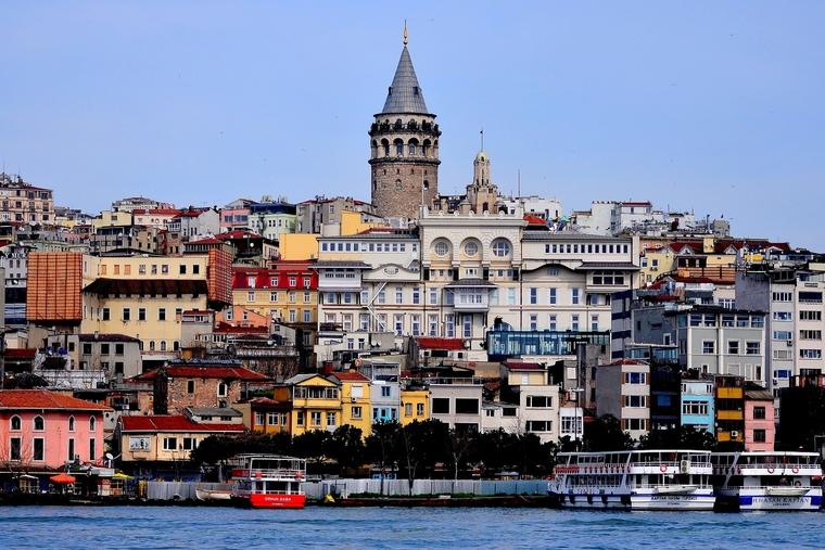 Shootout at Istanbul hotel