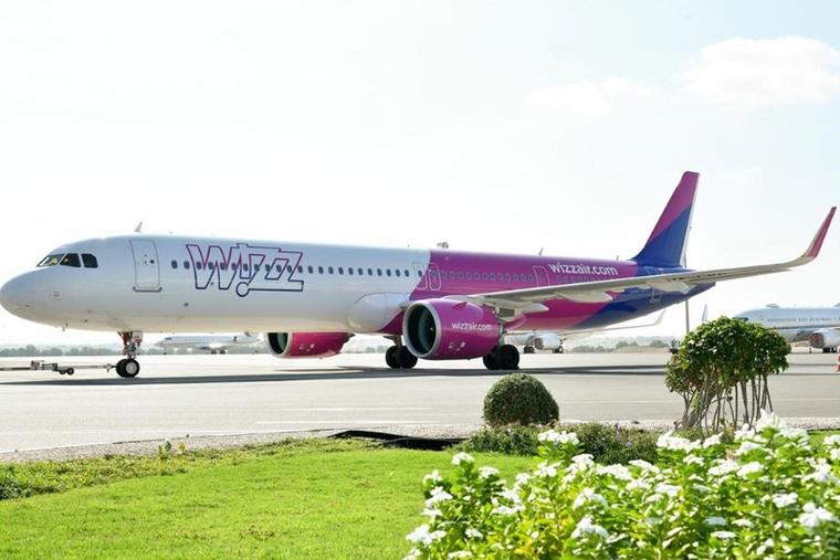 Wizz Air cuts staff by 19%
