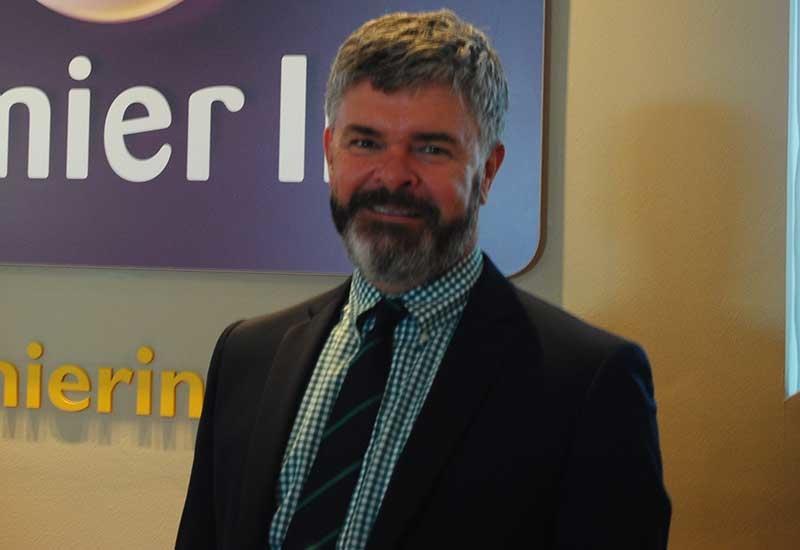Hotelier express, Executive interviews, Operators