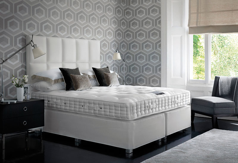 Hypnos tufted hotel mattresses, Mattresses