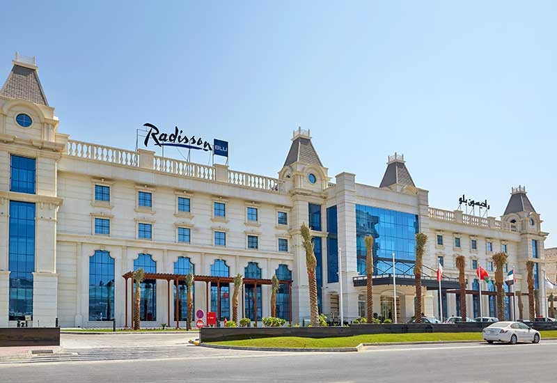 The building has been designed with an influence from European architecture, and is located in the city centre of Ajman.