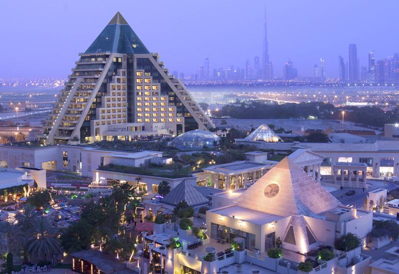 Raffles Dubai is set to welcome Canadian fine artist Giselle Denis.