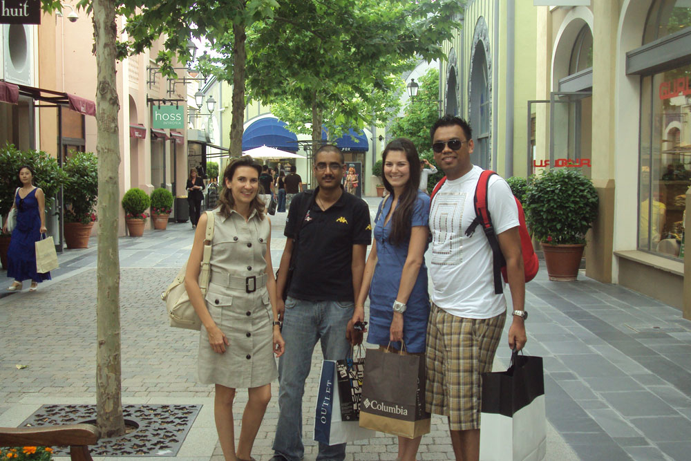 Middle East travel agents sample some Chic Outlet Shopping