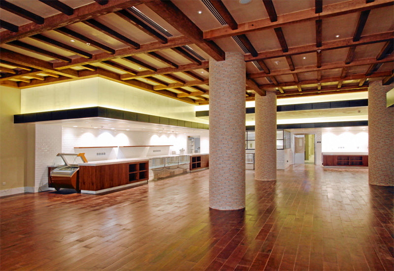 Giornotte is ready for fit-out, with its panelled ceiling, wooden floor and rustic pillars creating a homely ambience.