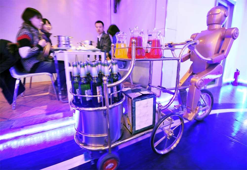 Restaurants, Amazing robot, Chinese restaurant, Future restaurant, Robot staff