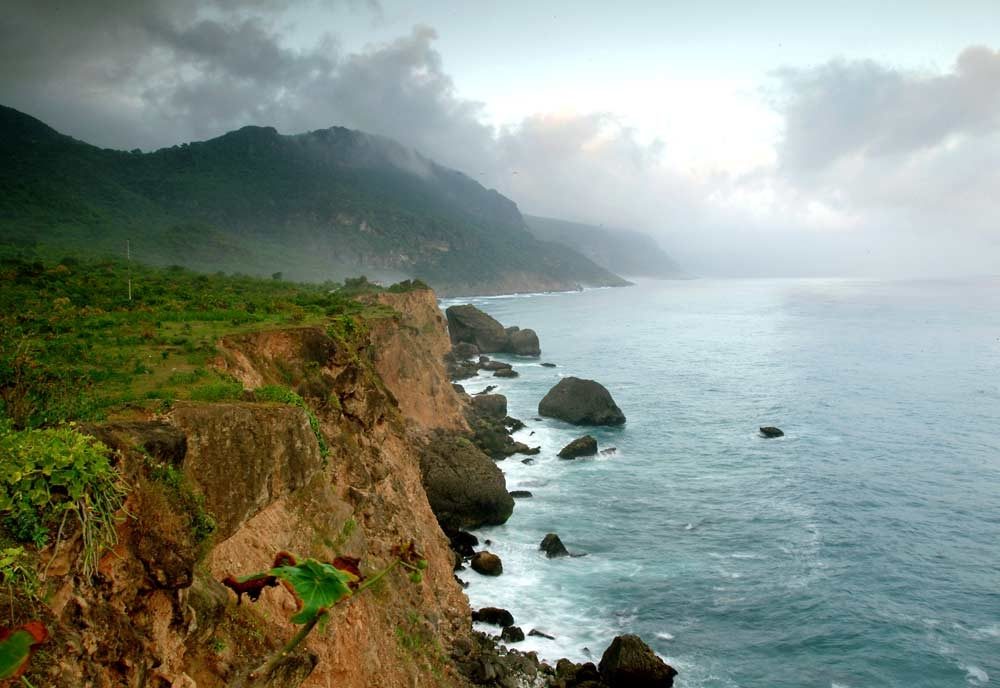 A range of deluxe hotels in Muscat and Salalah (pictured) will be available as part of the 'Oman Short Breaks' promotion.