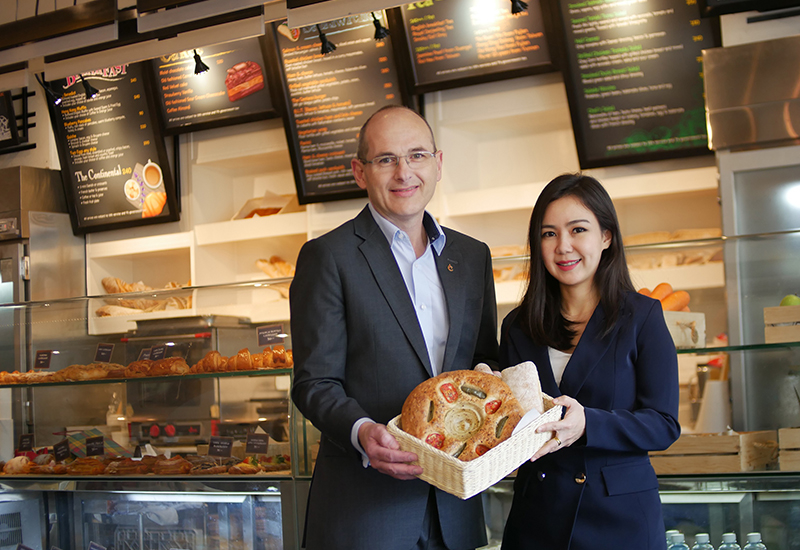Winfried Hancke, corporate director of operations food & beverage (left) and Yupapone Vorapongsukonth, corporate director of public relations (right)
