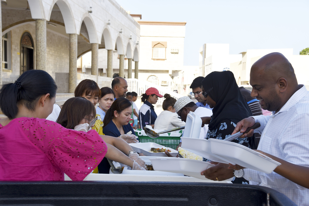 The staff of the property visited various mosques in the Dahariz area to hand out Iftar boxes containing a traditional meal