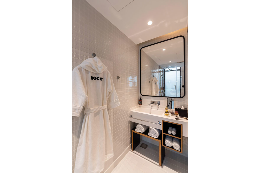 Studio one hotel, New hotels, Hotels in the Middle East, Hotel sector Dubai, Roya