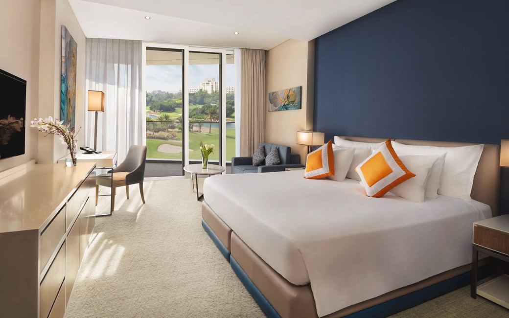 The course view room features a king sized bed