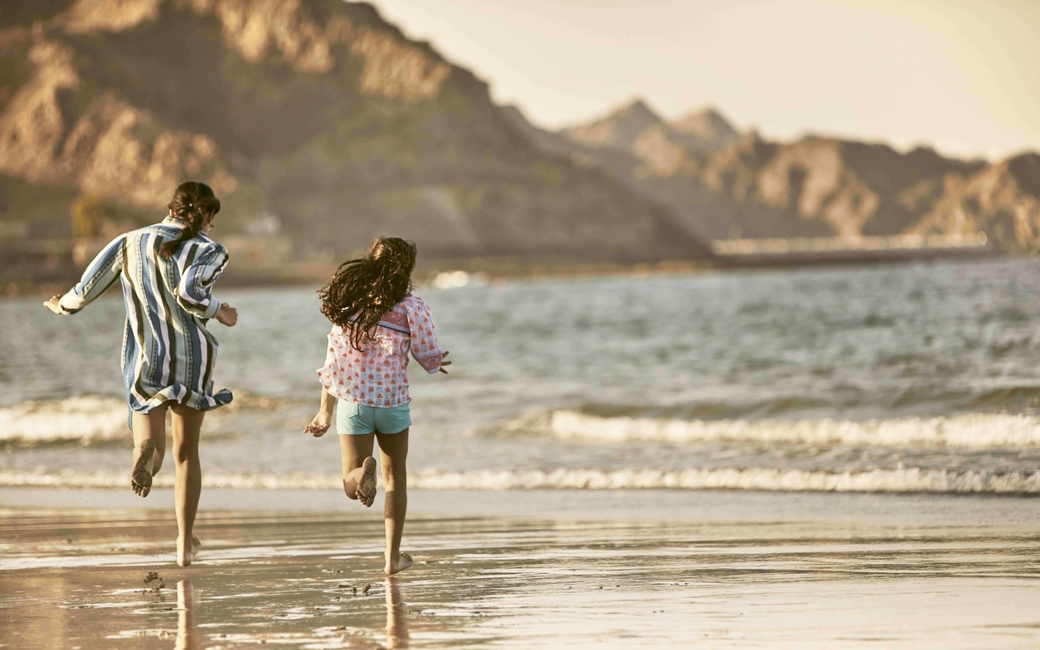 Al Bustan Palace, Ritz-Carlton Hotel launches summer promotions that include beach access and discounts on accommodations and spa treatments