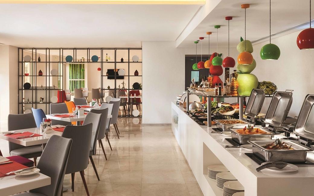 Eid Al Adha deals at Hawthorn Suites by Wyndham Dubai include brunch and pool access