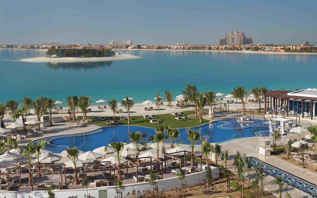 Hotel facilities include a Kids Club, a tennis court, two pools and a gym