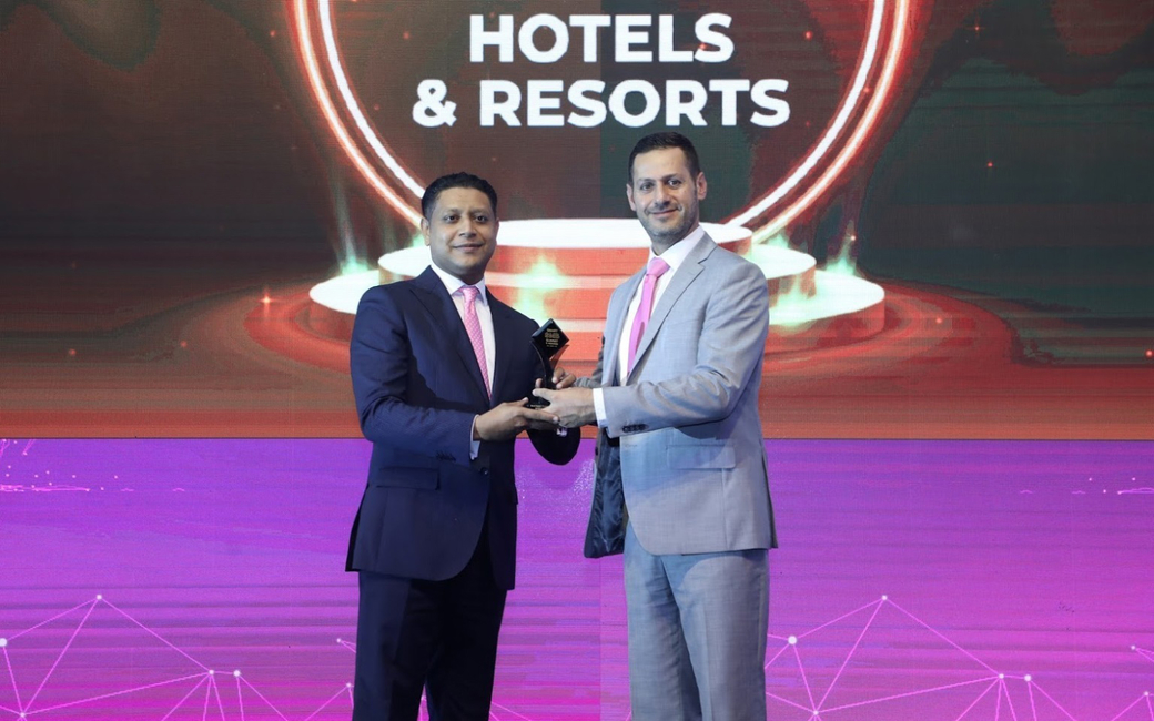 Millennium Hotels & Resorts Middle East & Africa's CEO, Kevork Deldelian received the award