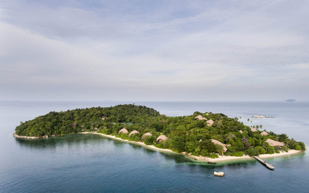 Resort facilities include the Rock spa which feature three double treatment rooms that overlook the ocean