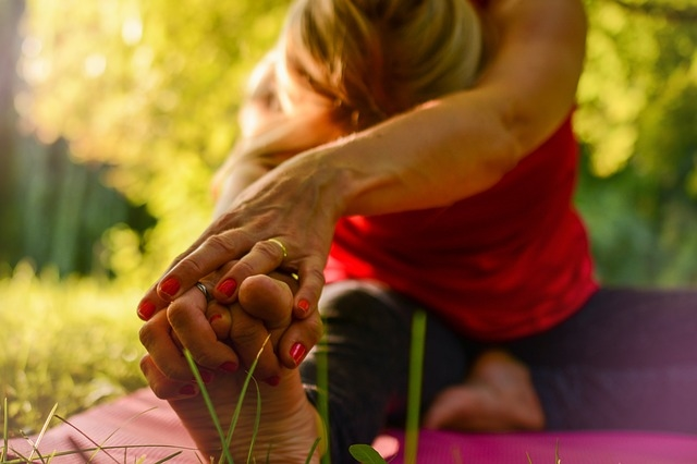 The morning begins with a 60-minute wellness session on the lawns, followed by mini massages and treats in the Experience Zone. Image used for ilustrative purpose only