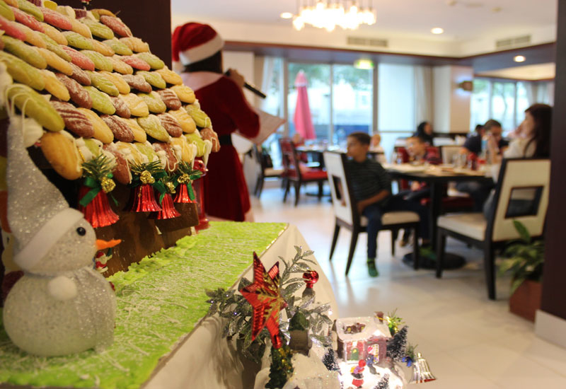 'Santa Claus' will visit the hotel to greet guests on Christmas Eve and Christmas Day