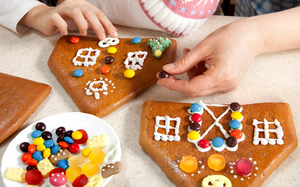 Gingerbread House workshops will be held for kids on December 7 and 21, from 11am to 1pm