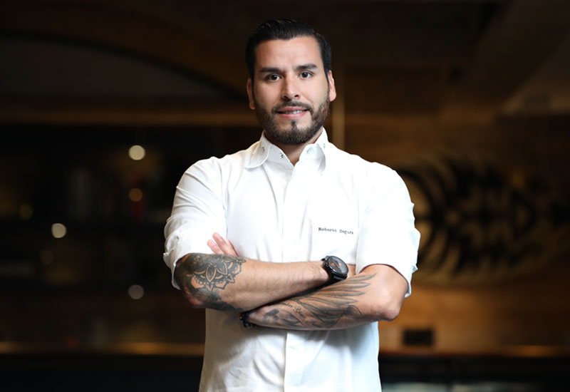 Roberto Segura has launched a healthy home cooking web show